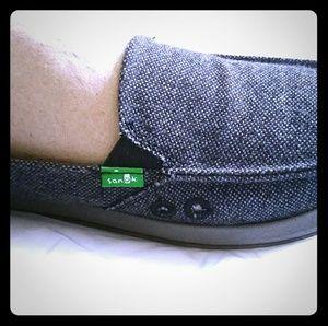 Sanuk size 8 brand new